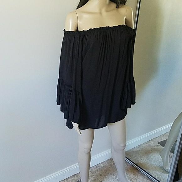 637e8e0ad7db1 Elan Tops - Elan black off shoulder bell sleeve top OS